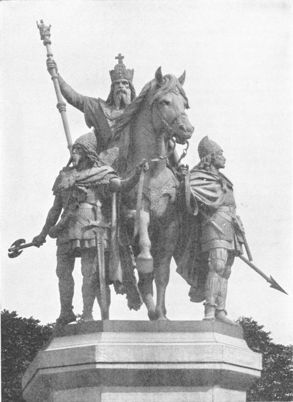 STATUE OF CHARLEMAGNE IN FRONT OF NOTRE DAME, PARIS
